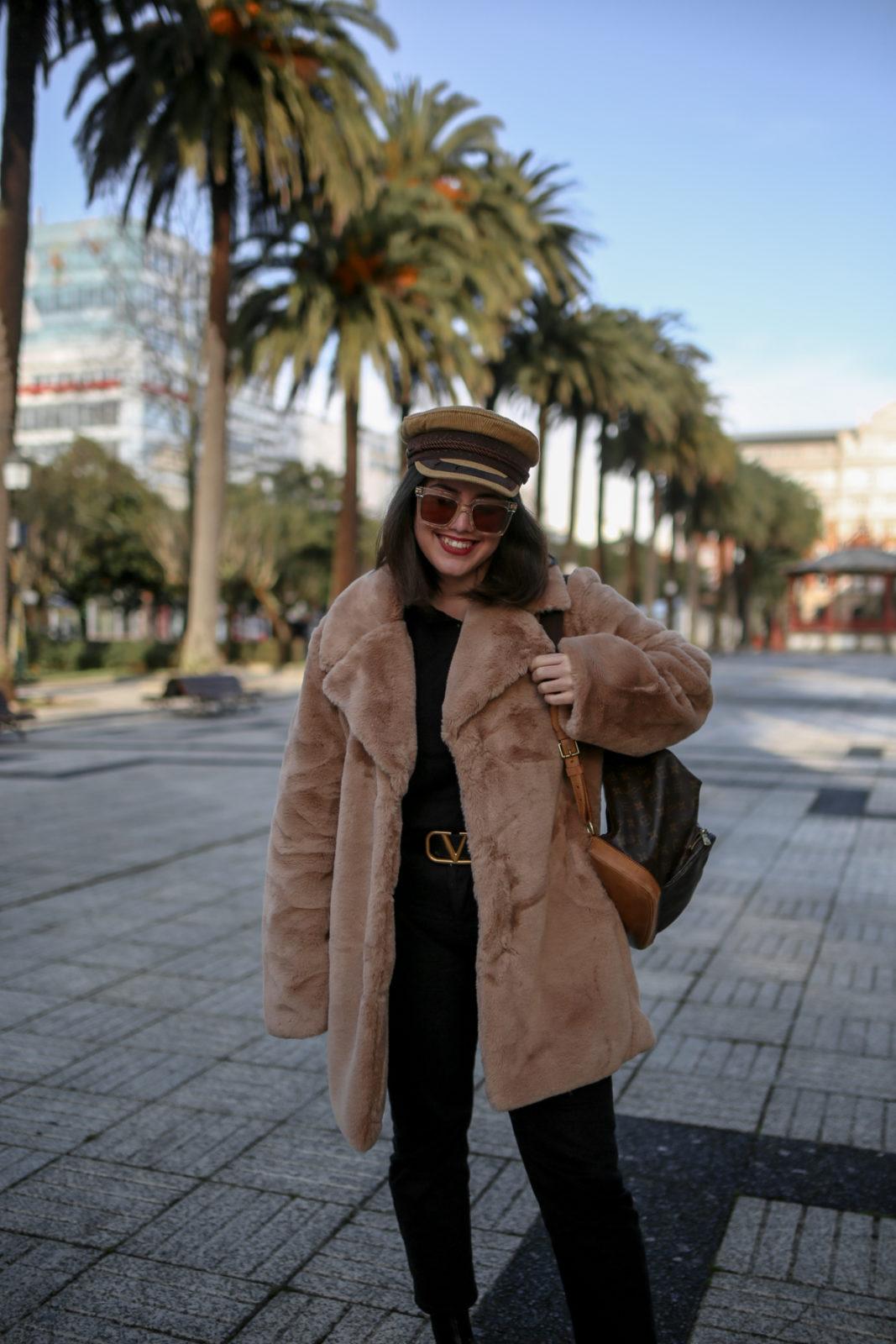 Combina tu abrigo de pelo camel